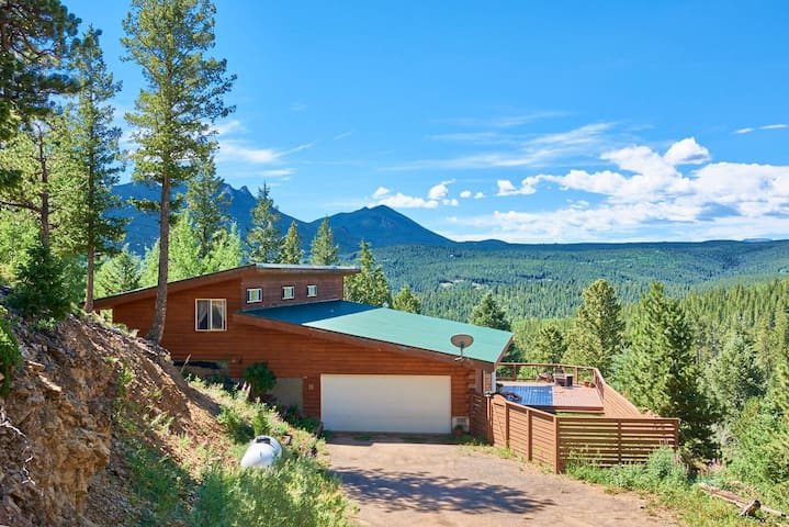 Cozy Cabin Retreat Above Boulder! - Black Hawk - บ้าน