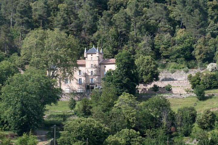 Le Château de Logères