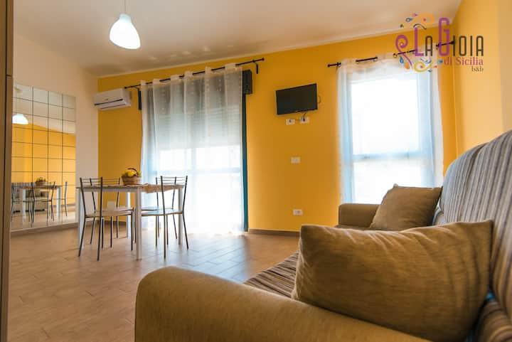 La Gioia di Sicilia appartamento giallo