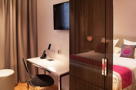 Room and breakfast at 10' walk from Eiffel Tower - Paris-15E-Arrondissement