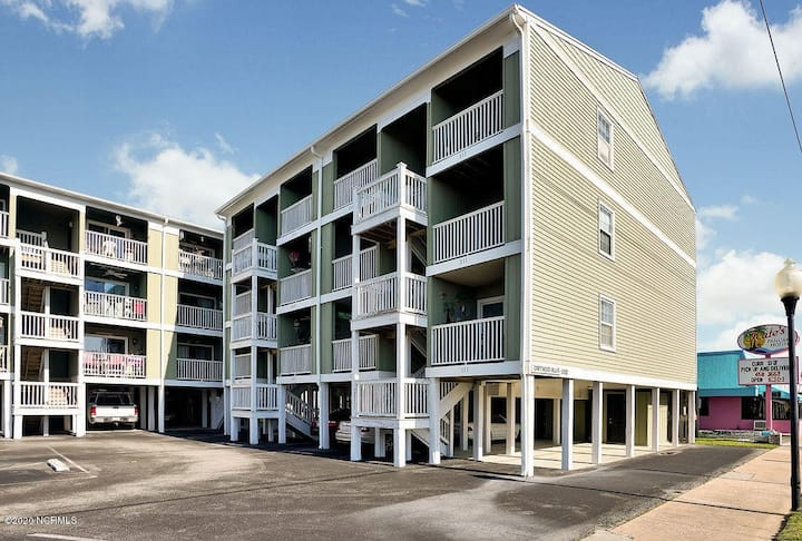 Carolina Beach Condo Close To Everything