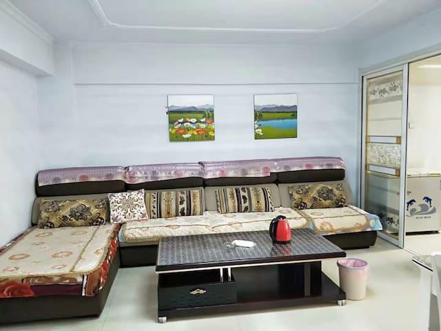 巴彦淖尔市舒适日租民宿房