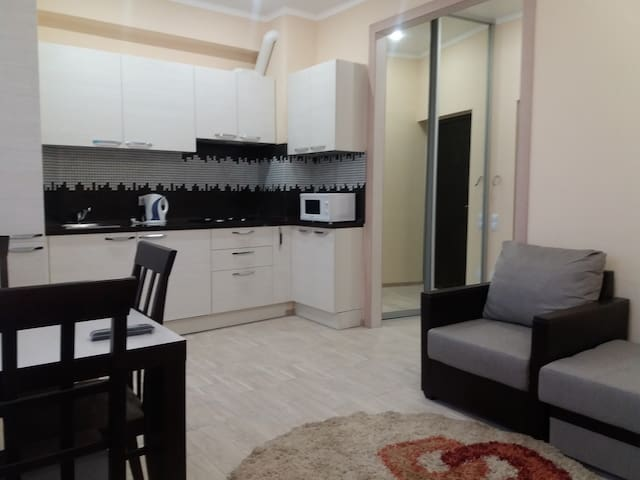 Nice & cozy studio in the centre of Adler - Sochi - Apartamento