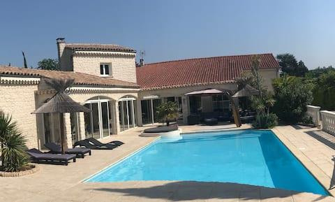 ⭐️ Villa familiale JACUZZI+SAUNA+PÉTANQUE+BABYFOOT❤️