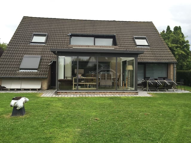 Villa 4 chambres avec Jardin à Waterloo (Belgique)