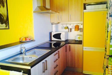 Centrally located apartment - Cales de Mallorca - Apartmen