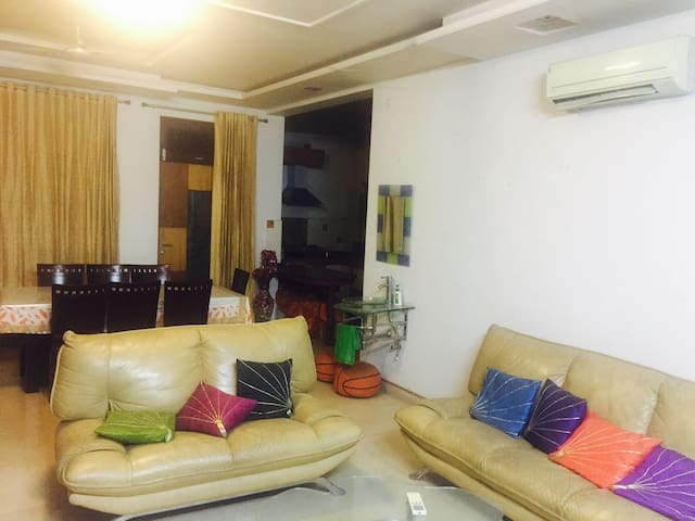 1 BHK - Large, Elegant AC Room with Attached Bath