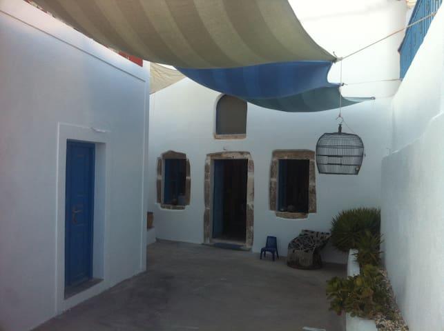 Romantic cave house at Karterados - Karterados - Casa