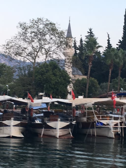 Dalyan river and mosque