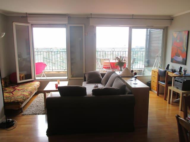 Habitación privada con balcón y hermosa vista