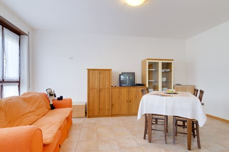 Rainbow Apartment with small garden - Meano - Trento