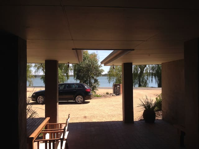 Lakeview on River Road - Yarrawonga