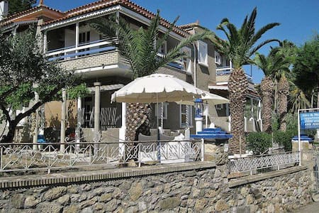 Alex and Nancy Apartments in Zaga Beach. - Koroni