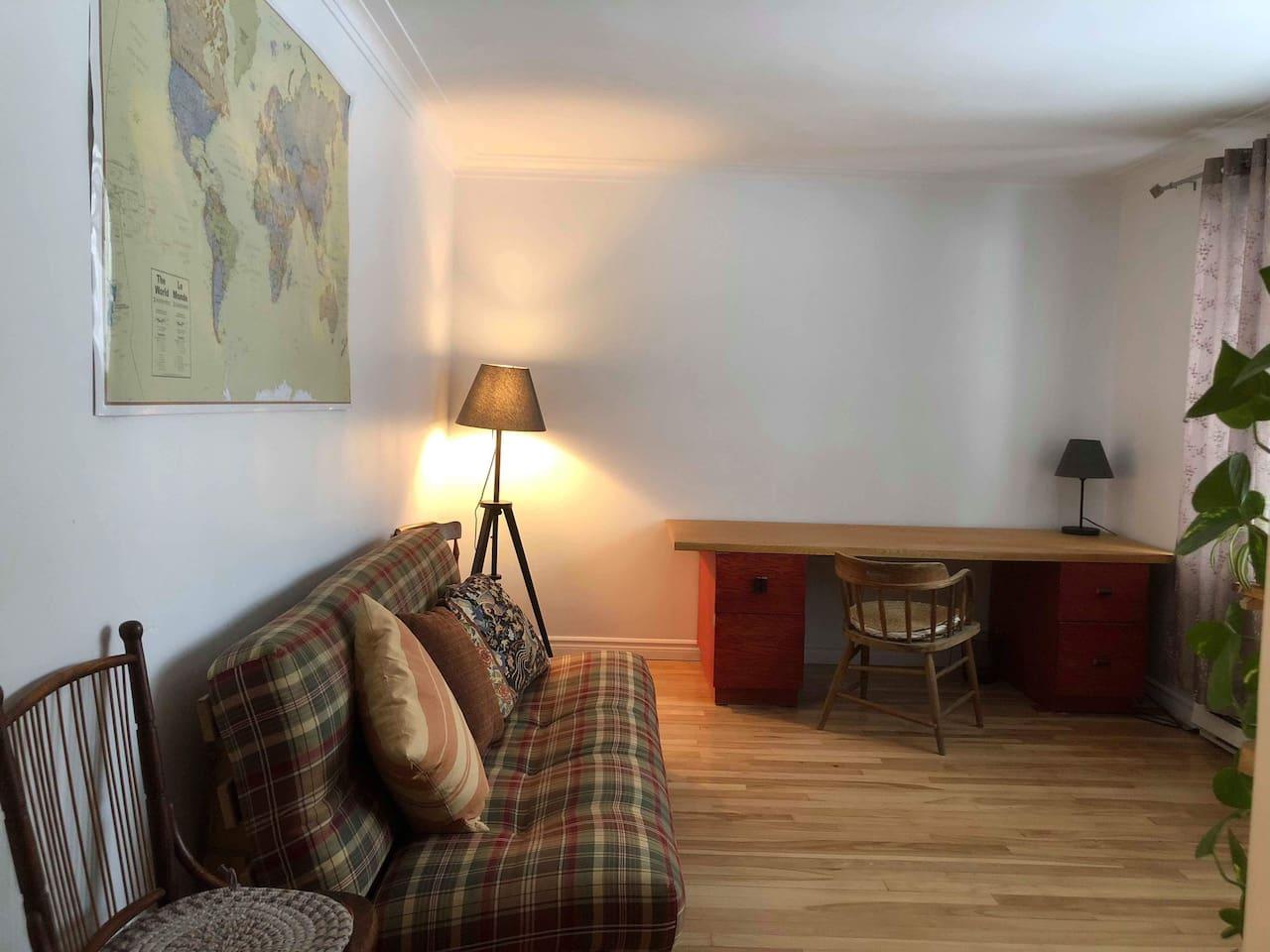 Salle de détente - Bureau / Living room and office