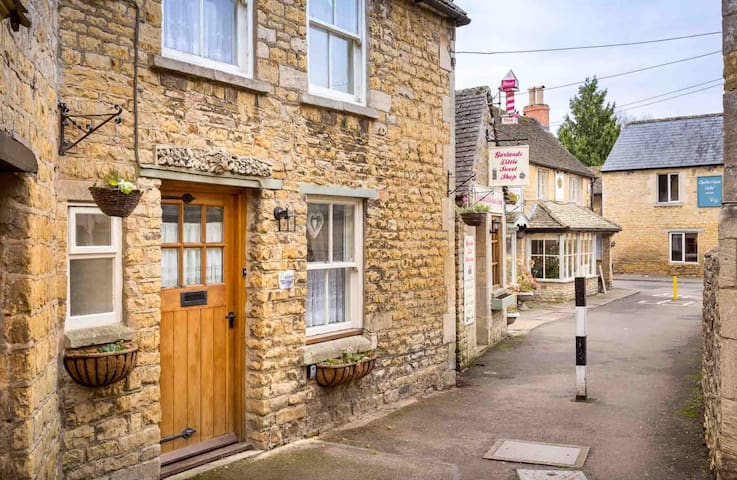 Inglenook Cottage, Bourton-on-the-Water