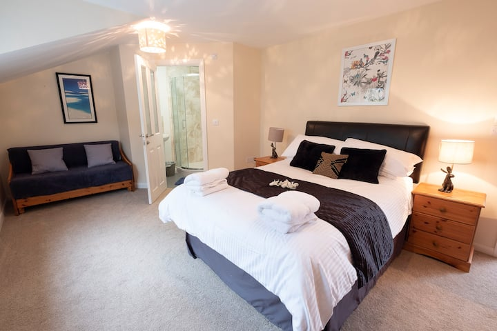 Family Room (upto 4 guests) within luxury house