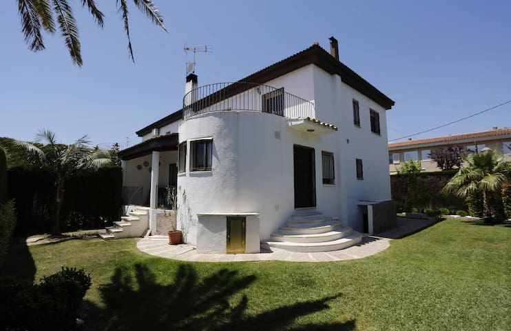 Holiday home in Cambrils for 8 persons