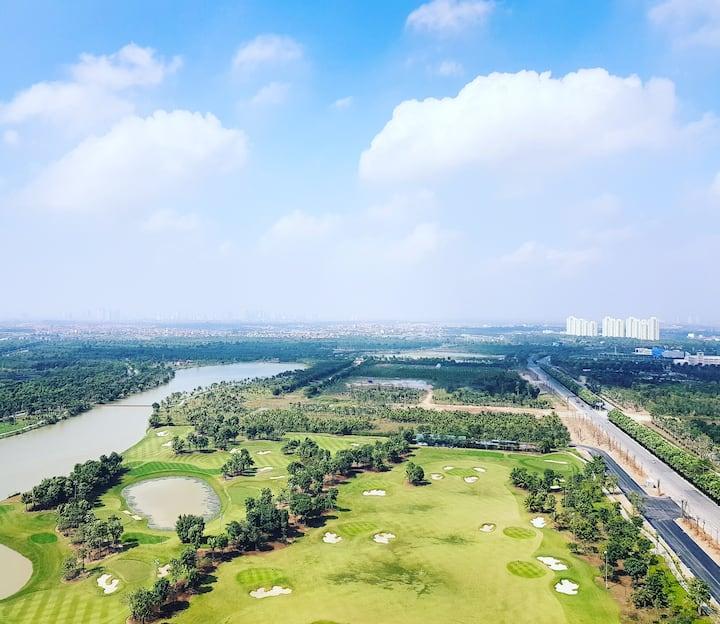 PhamHaus - Ecopark Minimalist Apt - Lake Golf View