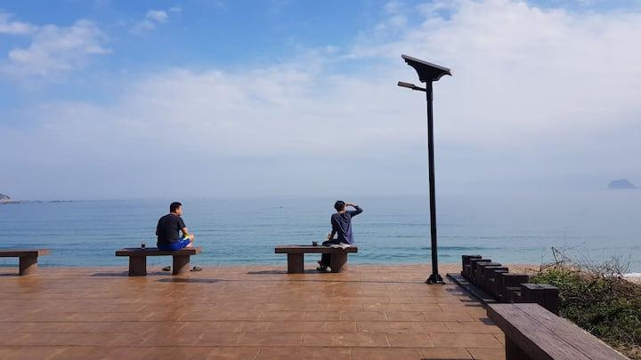 so easy 民宿提供背包客潛水衝浪客方便棲身之處海水沙灘陽光讓旅行者能夠輕鬆自在享受人生最佳地點