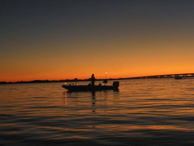 Lake Sam Rayburn - Enjoy the Fishing and Hunting