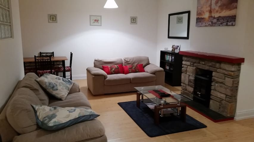 Spacious 2BD in the heart of Dingle - Dingle - Apartamento