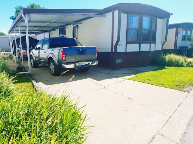 Cozy MobileHome 12miles Away from DowntownChicago