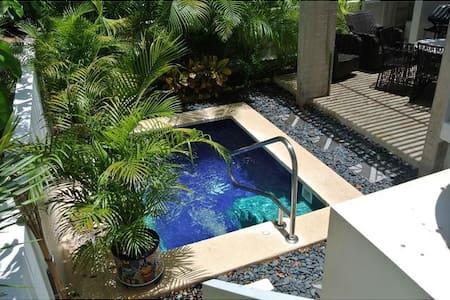 Luxury Mexican Villa- 5 star Resort - Akumal - Bed & Breakfast