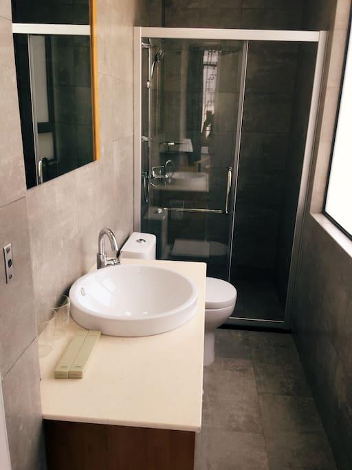 卫生间干净整洁