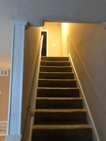 There are 2 bedrooms upstairs