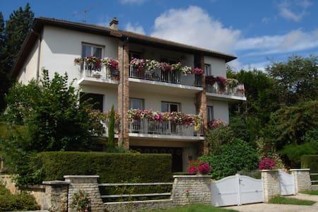 Logement au calme proche de Paris - Jouy-en-Josas - Huoneisto