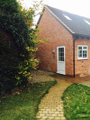 Private Annexe in Beautiful Village - Great Shefford - Leilighet