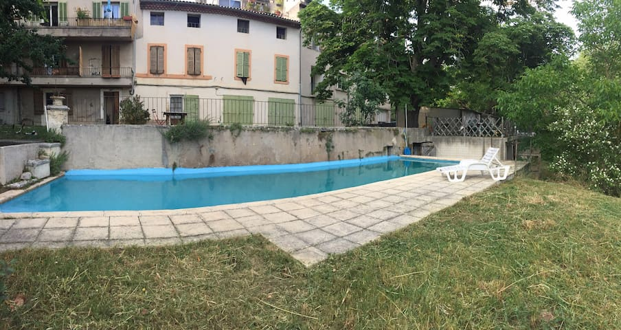 Appartement en campagne Aixoise