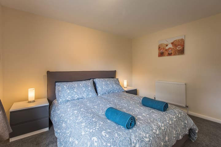 1 Double bedroom with Kingsize bed