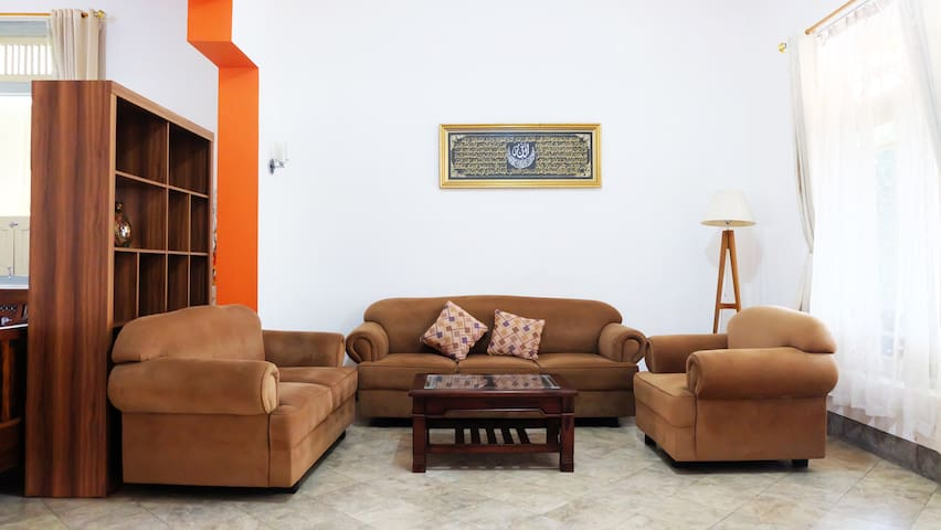 Guest House di Malioboro by Simply Homy