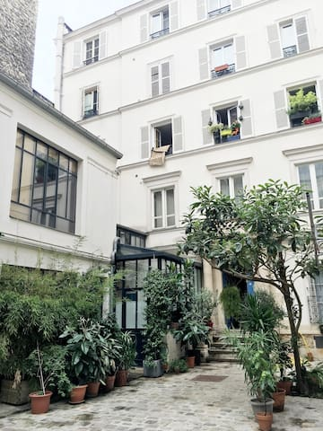 Romantic flat Montmartre/Grands Boulevards