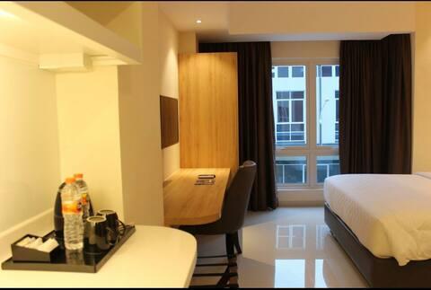 舒适的酒店客房,距离KNO 5分钟路程