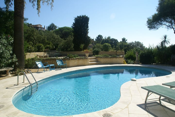 Nice villa with seaview in Les Issambres, France, with Private Swimming Pool