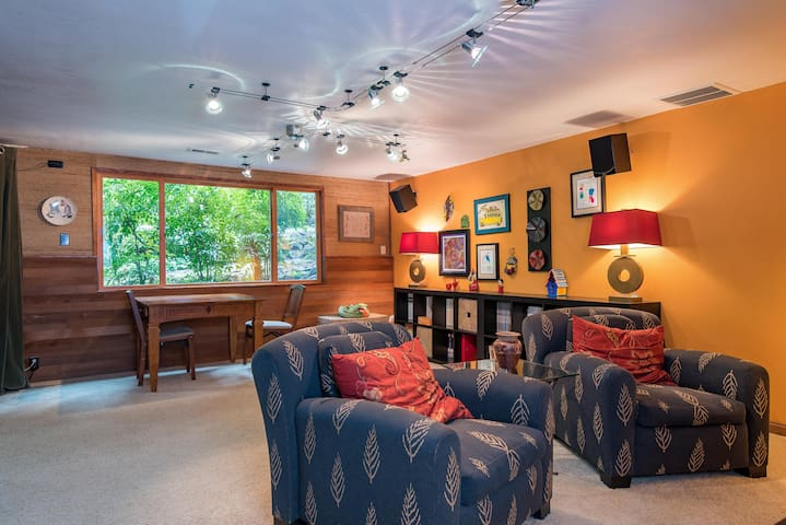 Gorgeous home, private, fun! - Hillsboro - Bed & Breakfast