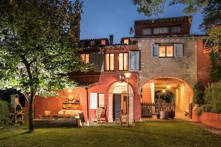 La Casa Rossa with private pool -Canapegna village