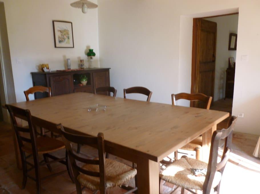 salle à manger table pour 8 personnes