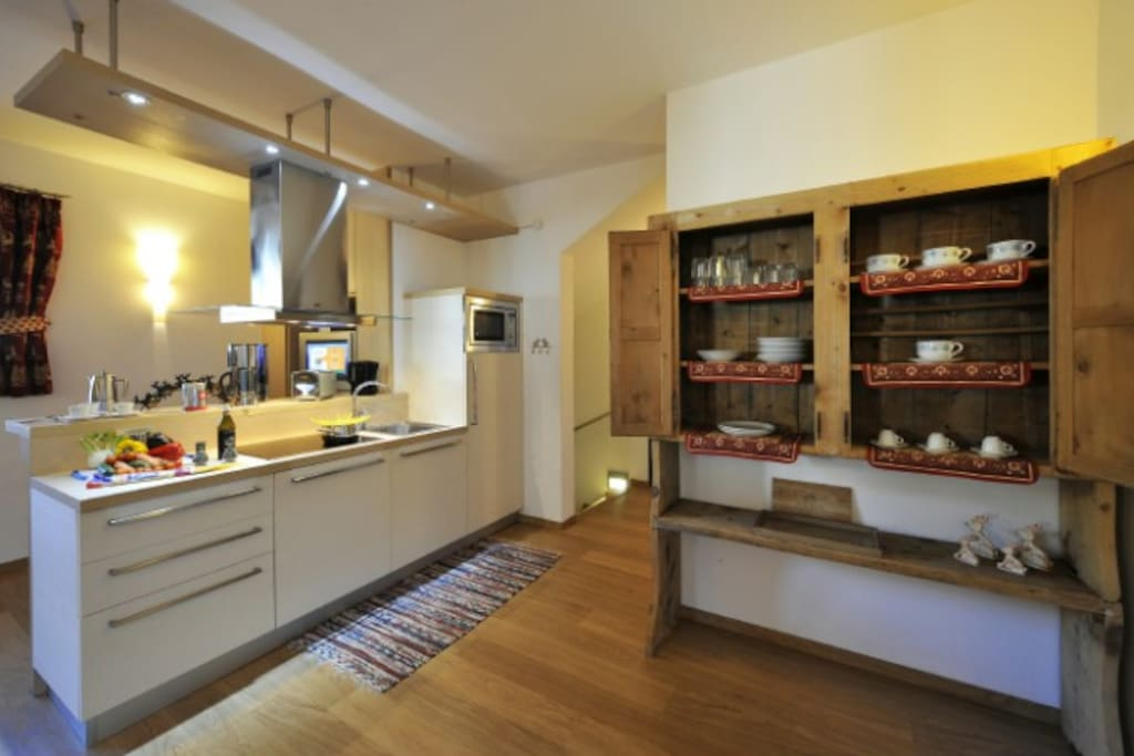 Fully fitted kitchen - with dishwasher