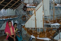 This place near Beypore Beach where they make the traditional wooden boats and guests can pick up a souvenir here.