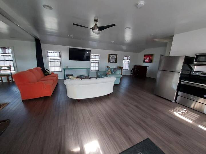 Brand new apartment for Skiing/University stays!