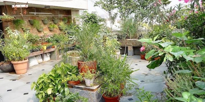 Private Terrace Garden Studio w/ Kitchen & Bath