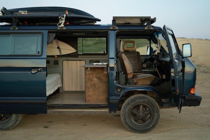VW  Transporter Treevangang - home on wheels