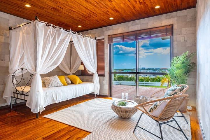 BREEZY PRIVATE GETAWAY IN URUMA!! Sunny cozy house