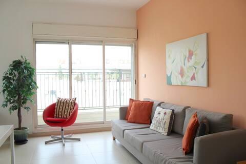 SUNNY SKY balcony - Gordon Beach- Ben Yehuda
