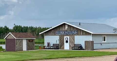 Bunkhouse Suite #4 @ The Ranch Highway 55 Debden