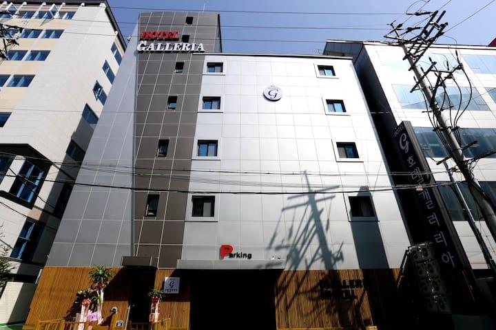 수원시청역앞 새로 지은  수원갤러리아 호텔
