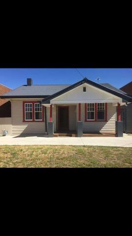 Double bed in COOLburg - Coburg North - House